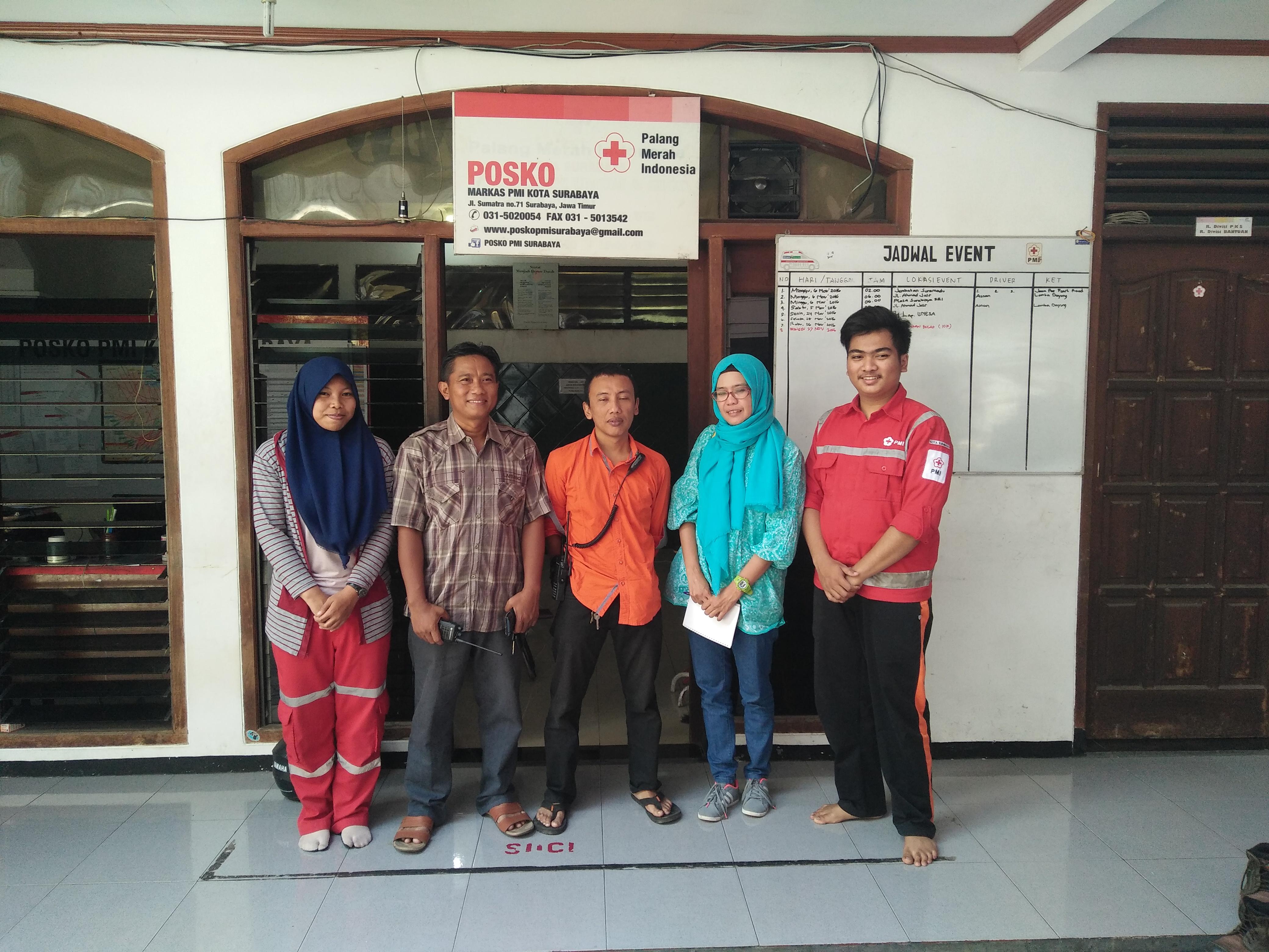 Bersama Tim PMI Surabaya