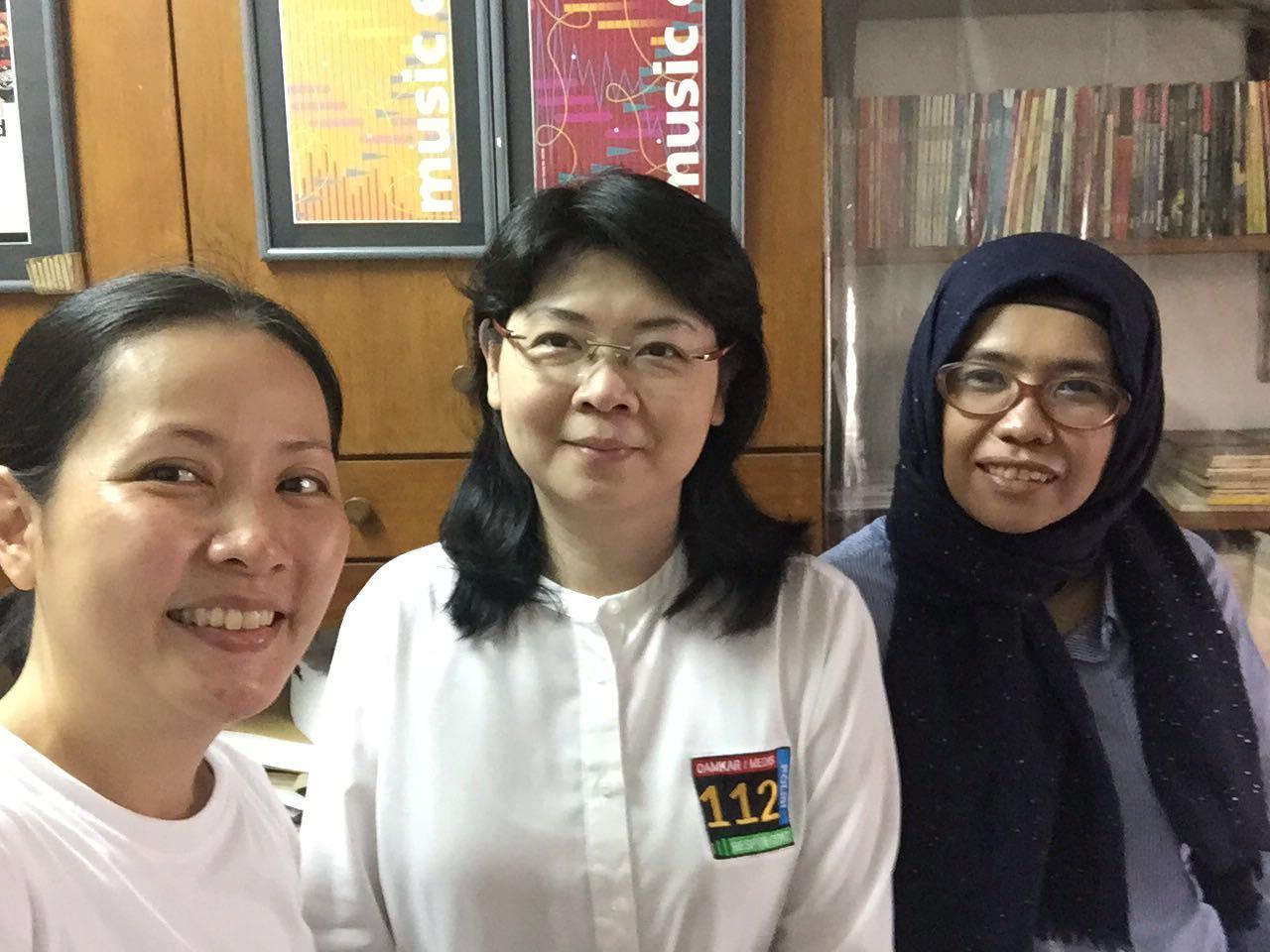 Rosalinde Tandaow, Grace Heny, dan Vika Octavia